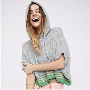 Free People | Hooded Poncho Pullover sz xs/s